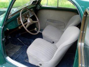 Posto guida con sedile conducente integralmente visibile